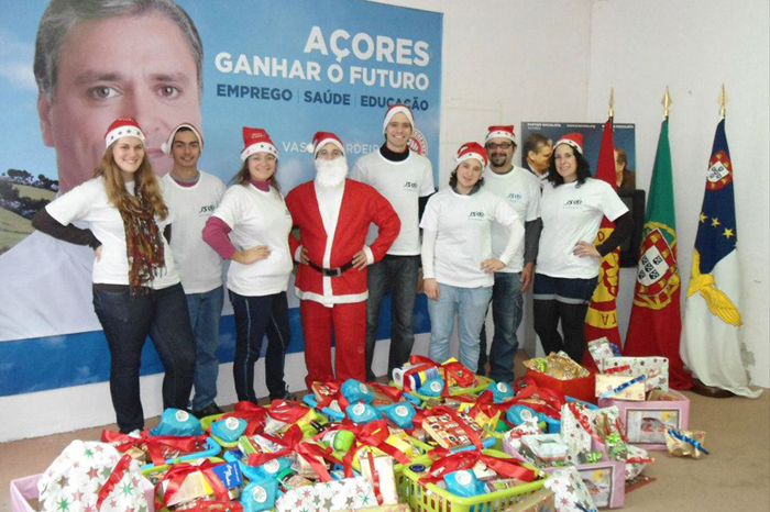 """JS São Jorge promove campanha """"Um brinquedo, um sorriso"""" (c/audio)"""