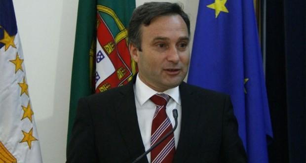 Governo dos Açores autoriza obra de aumento do molhe e cais das Velas