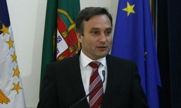Governo dos Açores apoia crédito à habitação para trabalhadores com salários em atraso
