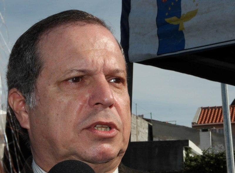 Carlos César recusou convite para as europeias