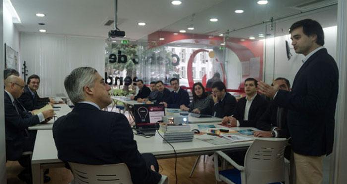 Governo deve apostar na contratação de serviços a empresas regionais, defende Duarte Freitas