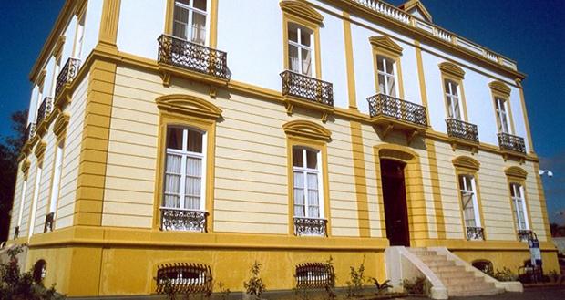 Governo dos Açores reforça apoio à requalificação de licenciados desempregados