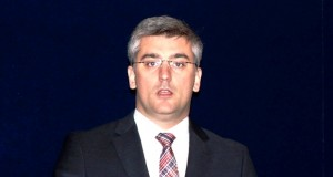 Governo dos Açores aprova Programa Especial de Apoio ao Pagamento de Propinas