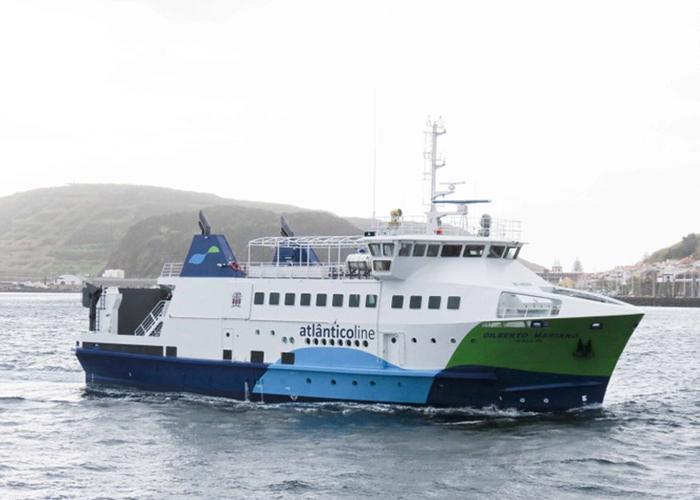Navio Gilberto Mariano está avariado e sem data prevista de regresso