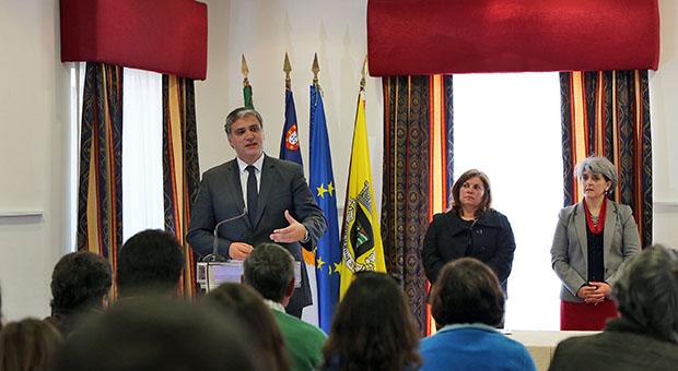 Vasco Cordeiro garante que Governo dos Açores vai continuar a apoiar famílias e empresas