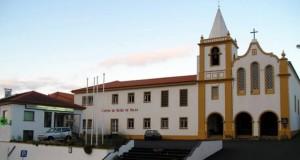 """Catarina Cabeceiras lamenta estado a que Centro de Saúde de Velas chegou e diz que são precisas """"novas instalações"""" e """"não apenas remendos"""" – obras arrancam em outubro (c/áudio)"""