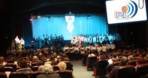 Auditório Municipal com lotação esgotada para assistir ao Concerto Solidário