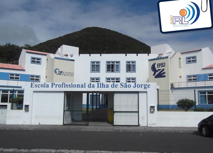 Escola Profissional de S.Jorge distinguida na ALRAA com voto de congratulação pela conquista do concurso CurtMar 2015 (c/áudio)