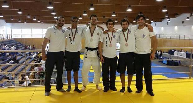 Atletas do Judo Clube São Jorge alcançam bronze, prata e ouro em torneio nacional