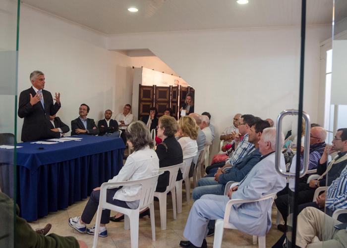 """""""Governo deve parar e pensar antes de mandar construir navios"""", defende Duarte Freitas"""