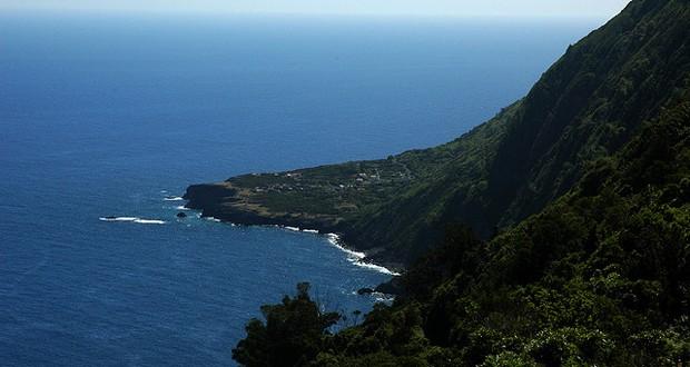 Caminho de acesso à Fajã da Ribeira da Areia continua interdito