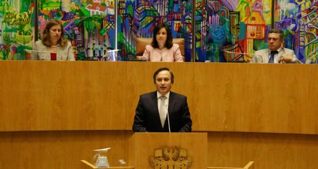 Parlamento conhecerá plano estratégico da SATA para 2015-2020 até ao final do ano