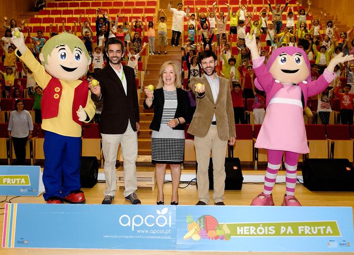 """Governo Regional vai adotar projeto """"Heróis da Fruta"""" em todas as escolas dos Açores"""