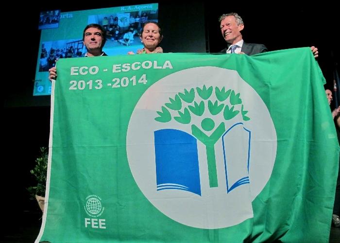 Sete dezenas de estabelecimentos de ensino dos Açores receberam bandeira verde Eco-Escola