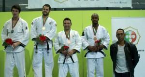 Vasco Cordeiro felicita Tiago Rodrigues por título de Campeão Nacional de Judo