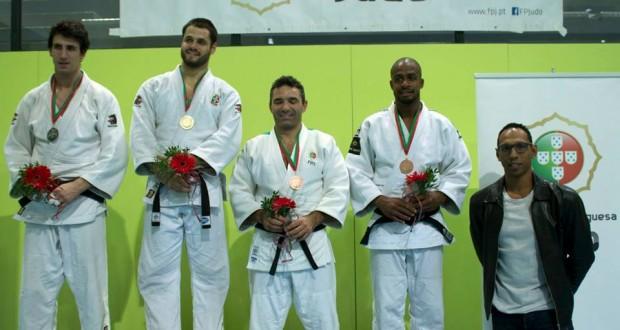 Judo Clube São Jorge e Tiago Rodrigues distinguidos na Assembleia Legislativa Regional