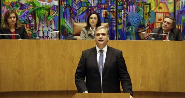 Vasco Cordeiro quer consenso sobre proposta do Governo para baixar impostos na Região