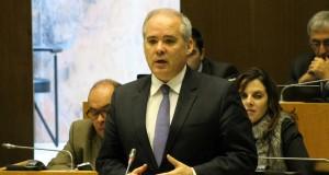 """""""Este Plano de Investimentos para 2015 reforça as transferências financeiras para a saúde nos Açores"""", defendeu José San-Bento."""