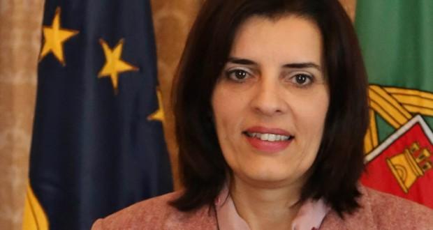 Isabel Rodrigues diz que políticas de austeridade do Governo da República são fator de risco acrescido para crianças e jovens