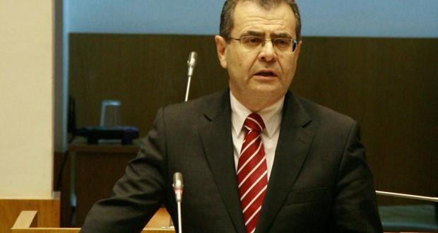 """Avelino Meneses considera que, em matéria de refeições escolares, cabe ao Governo e às escolas """"fiscalizar"""""""