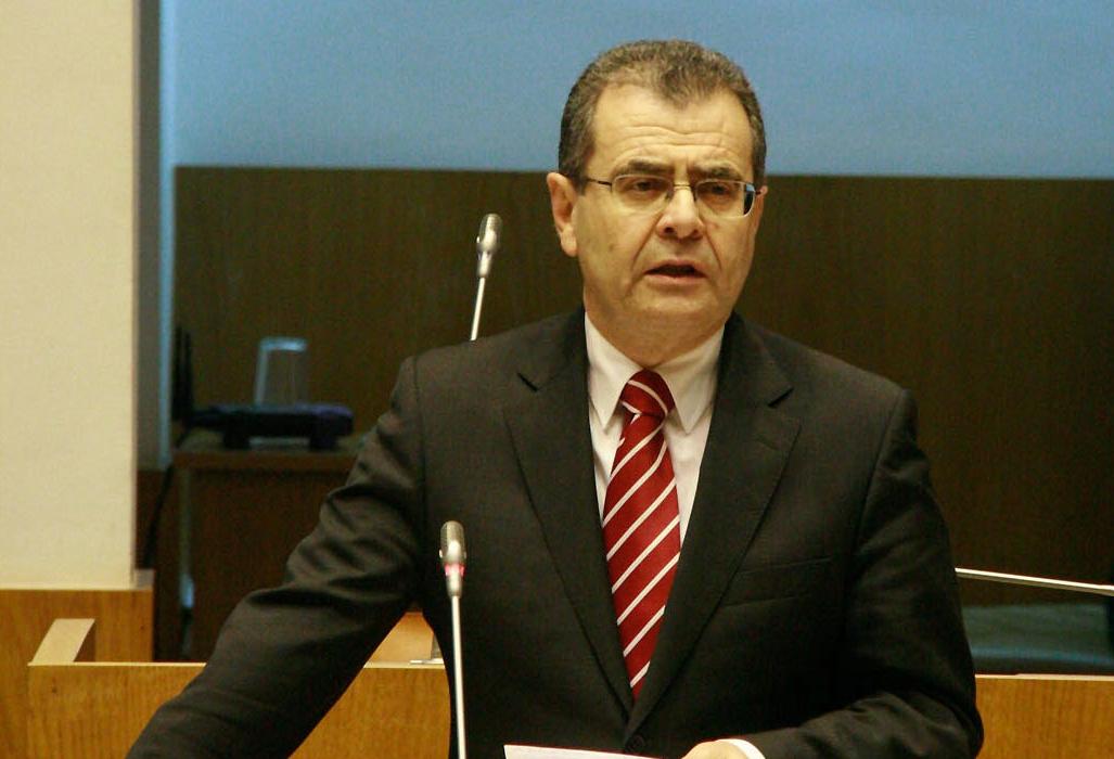 Avelino Meneses defende acerto da orgânica dos serviços de Desporto no Corvo
