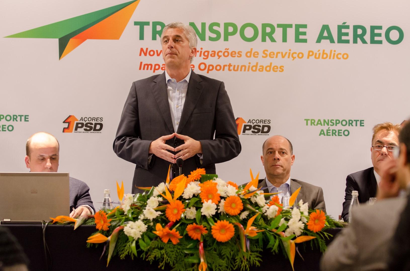 """Abertura do espaço aéreo é """"queda do muro de Berlim"""" para a economia dos Açores, considera Duarte Freitas"""