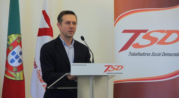 Governo dos Açores discrimina trabalhadores de empresas públicas, considera Joaquim Machado