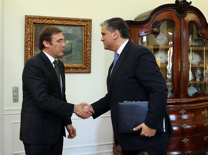 Vasco Cordeiro leva situação das Lajes ao Primeiro-Ministro e entrega Plano de Revitalização Económica da Terceira