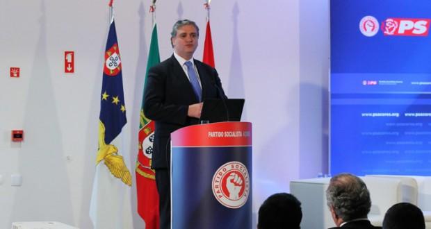 """""""Novas Obrigações de Serviço Público de transportes são concretização de um compromisso eleitoral do PS"""", realçou Vasco Cordeiro"""