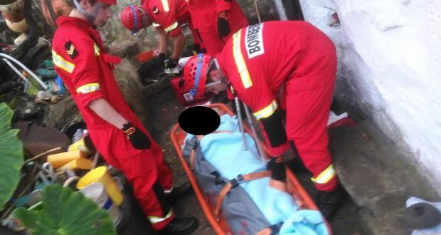 Equipa de Salvamento em Grande Ângulo resgata ferido da Fajã de João Dias, na Freguesia de Rosais