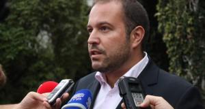 """""""Passagens aéreas interilhas vão ter maior descida de sempre a partir de Outubro"""", garante Francisco César"""
