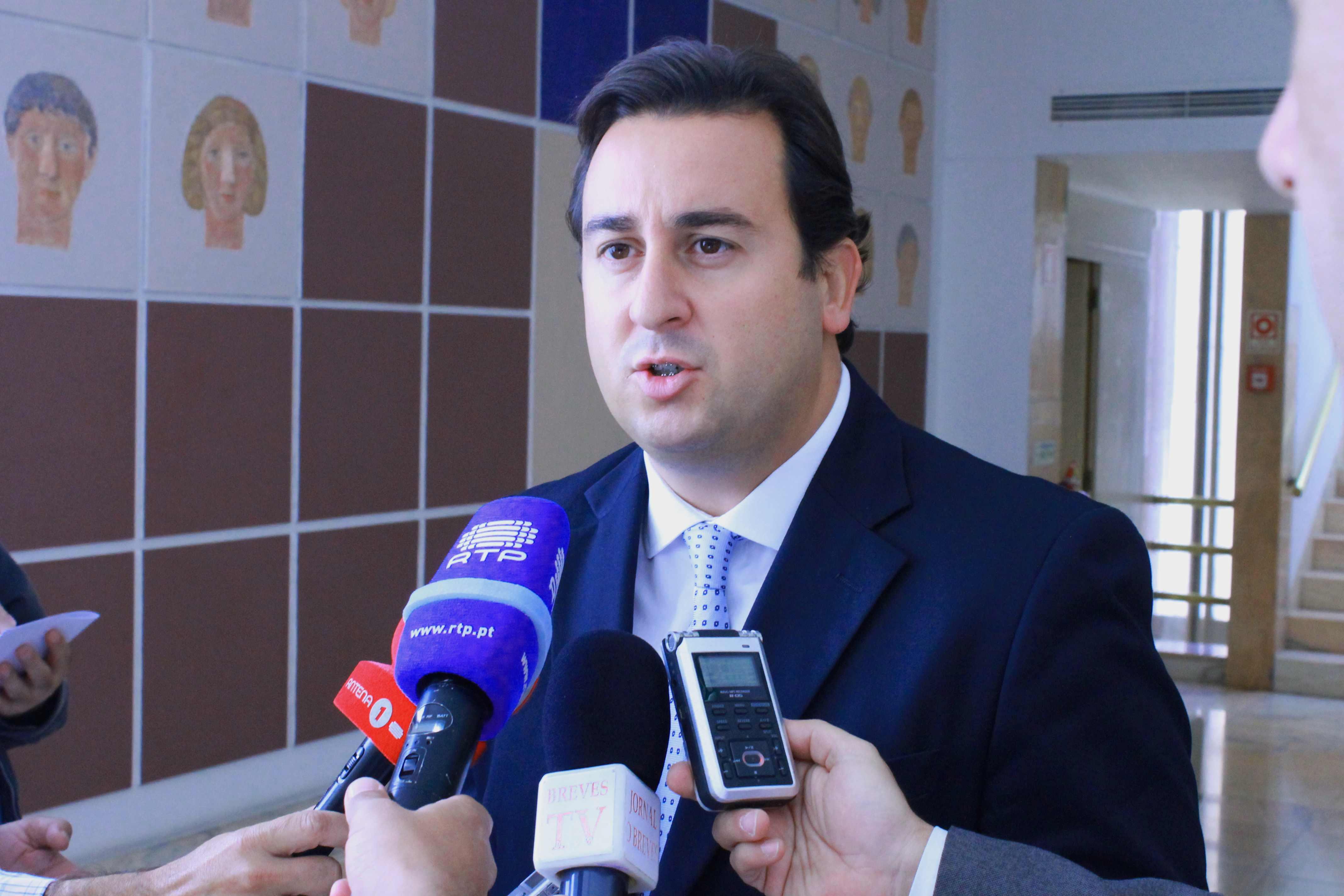 """""""Descida contínua do número de desempregados nos Açores é motivo de confiança para o futuro"""", defendeu Berto Messias"""