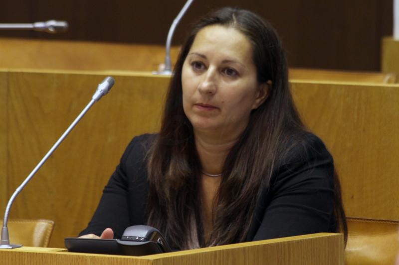 Paula Bettencourt assume funções como deputada na ALRAA