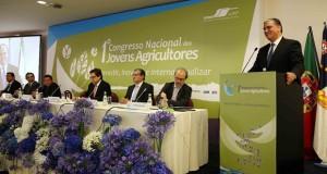 """Presidente do Governo quer """"compromisso forte e efetivo"""" da República em defesa do sector do leite"""