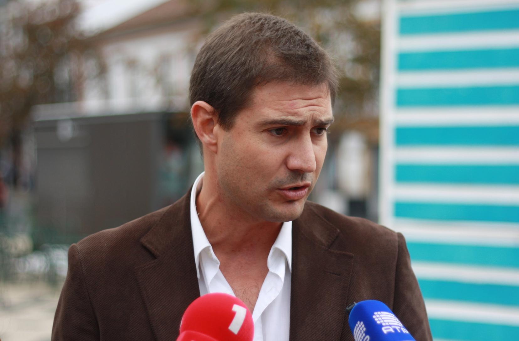 O PS não quer boas notícias para a Terceira, acusa Luís Rendeiro