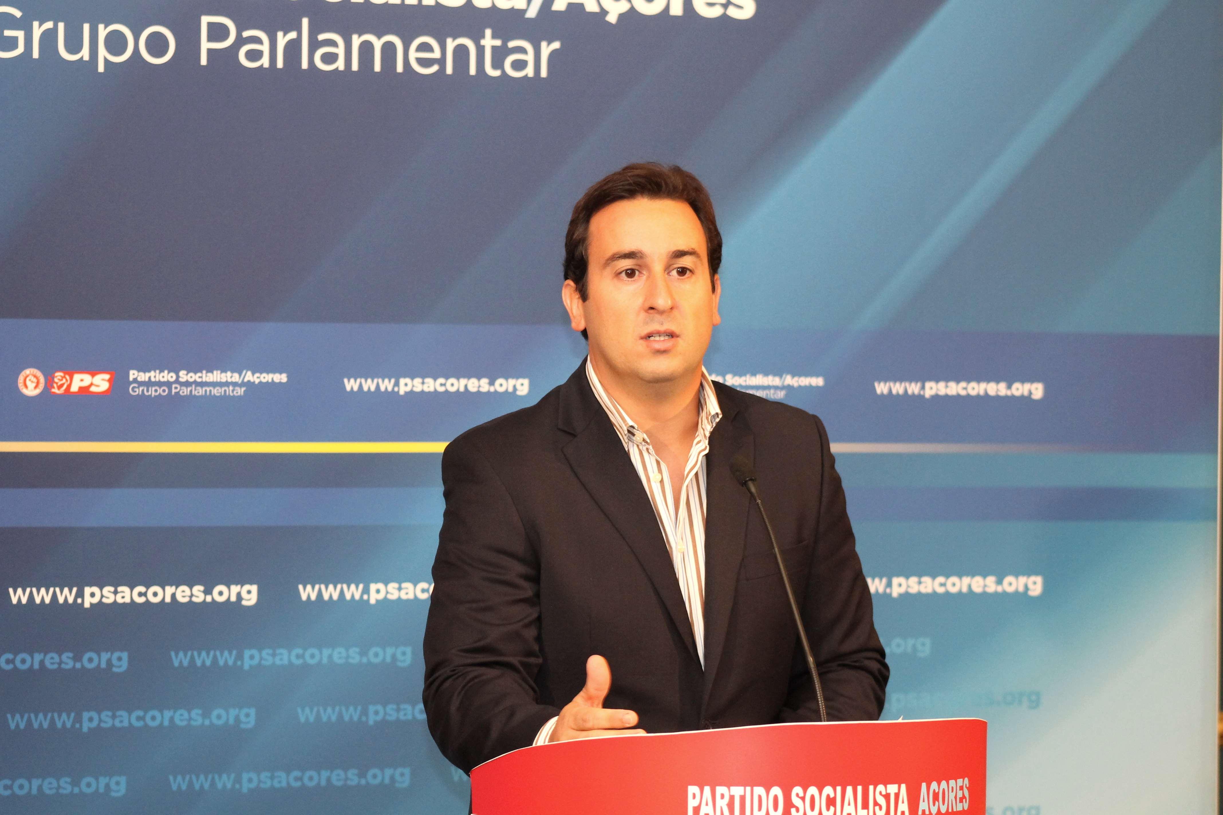 """""""É preciso descaramento para dizer que Passos Coelho é o melhor para os jovens Açorianos"""", acusou Berto Messias"""