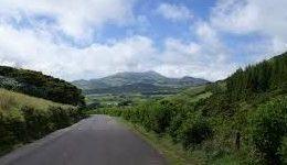Vai avançar a segunda fase da beneficiação do Caminho Rural Longitudinal Norte, em São Jorge