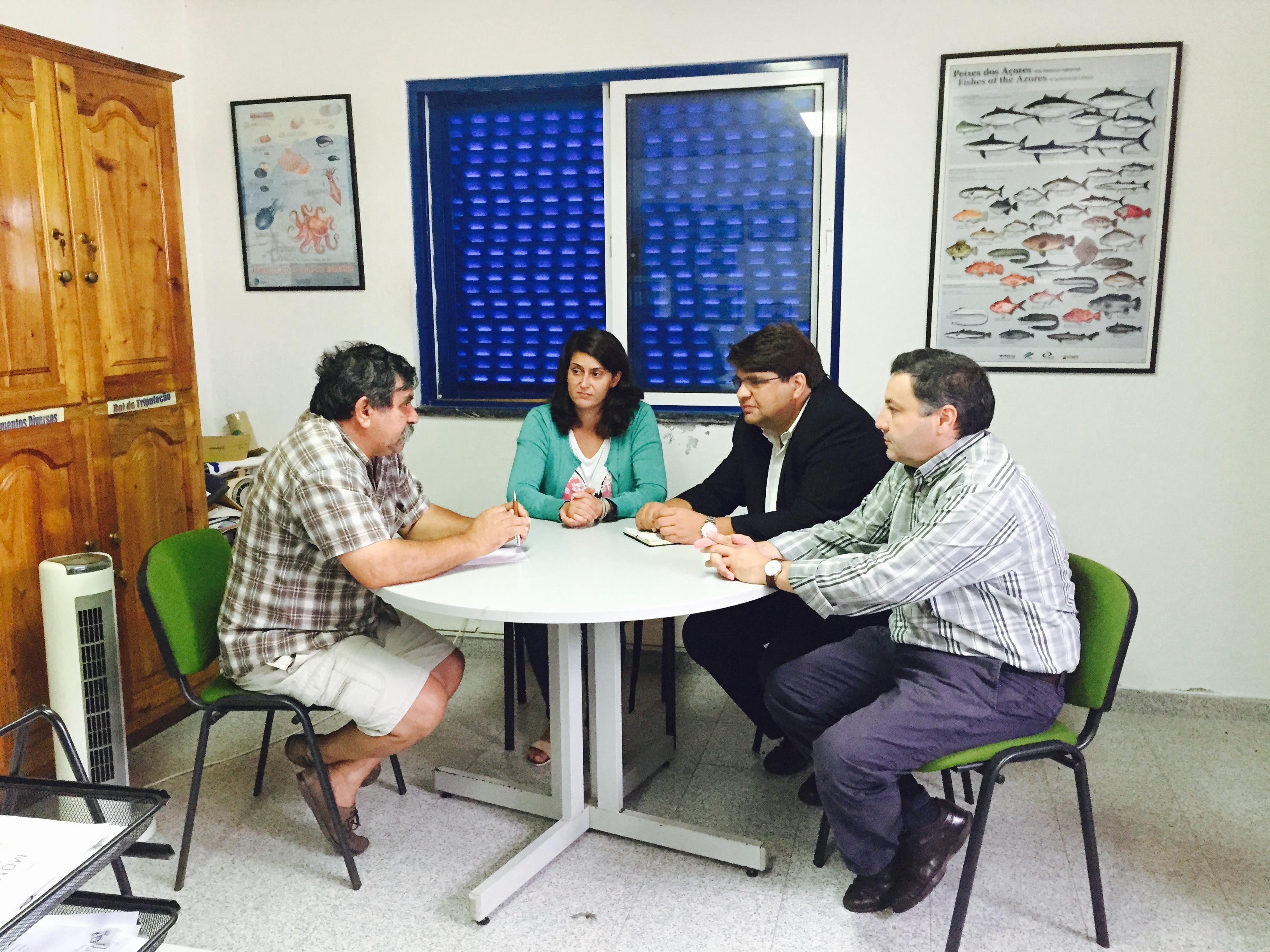 """""""Governo da República deve mudar de postura em relaçãoàgestão do mar"""", defende João Castro"""