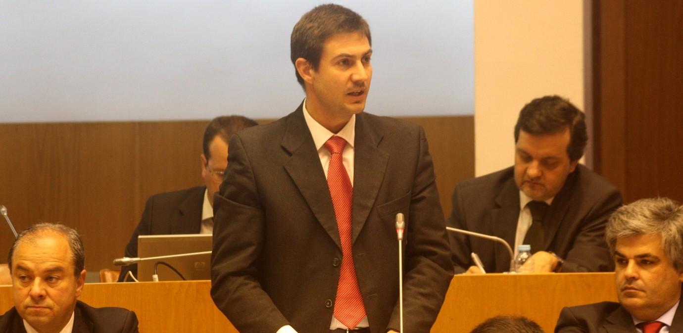 Catástrofe económica e social da Ilha Terceira é responsabilidade dos governos do PS, acusa o PSD
