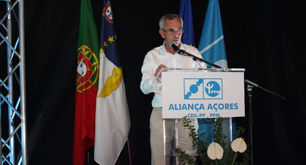 """Félix Rodrigues com duras críticas ao PS e PSD em jantar comício da Coligação """"Aliança Açores"""", em S.Jorge (c/áudio)"""
