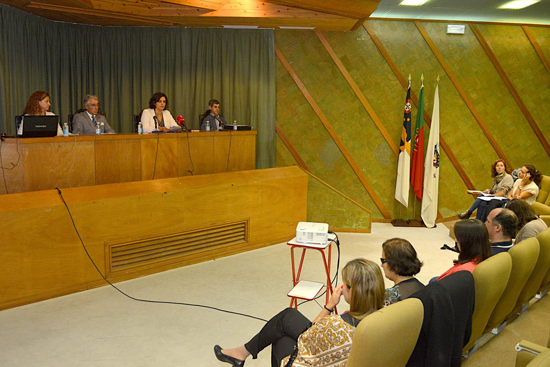 Tornar a sociedade inclusiva para os invisuais é um compromisso do Governo dos Açores, afirma Andreia Cardoso
