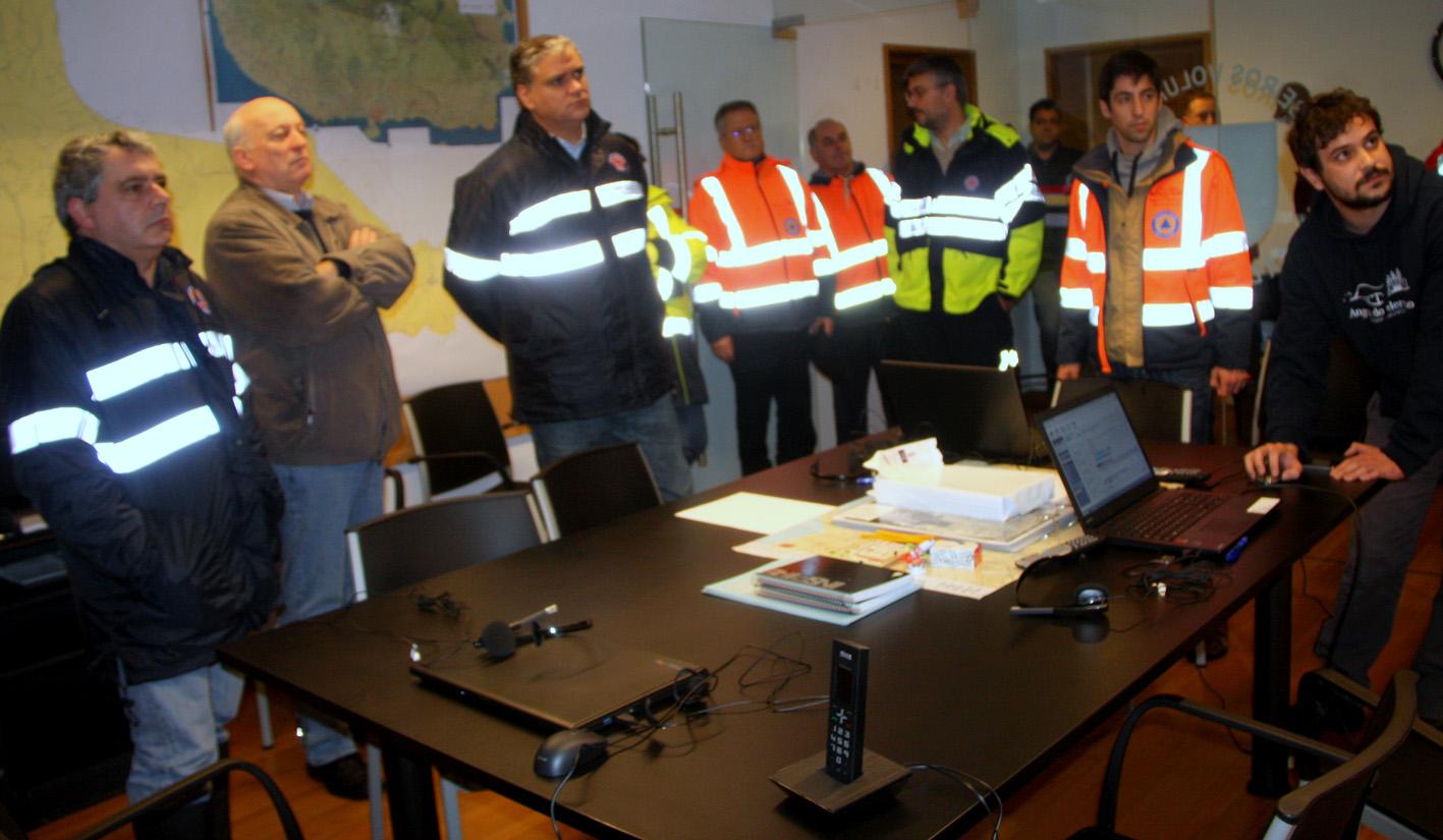 Presidente do Governo acompanha no terreno evolução do furacão Alex