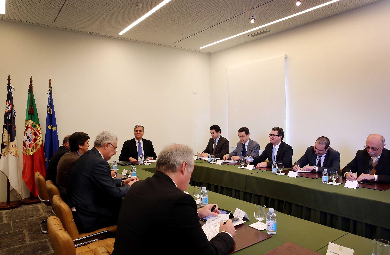 Presidente do Governo reúne-se com deputados regionais sobre o processo da Base das Lajes