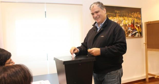 Vasco Cordeiro reeleito Presidente do PS/Açores com 99,1% dos votos