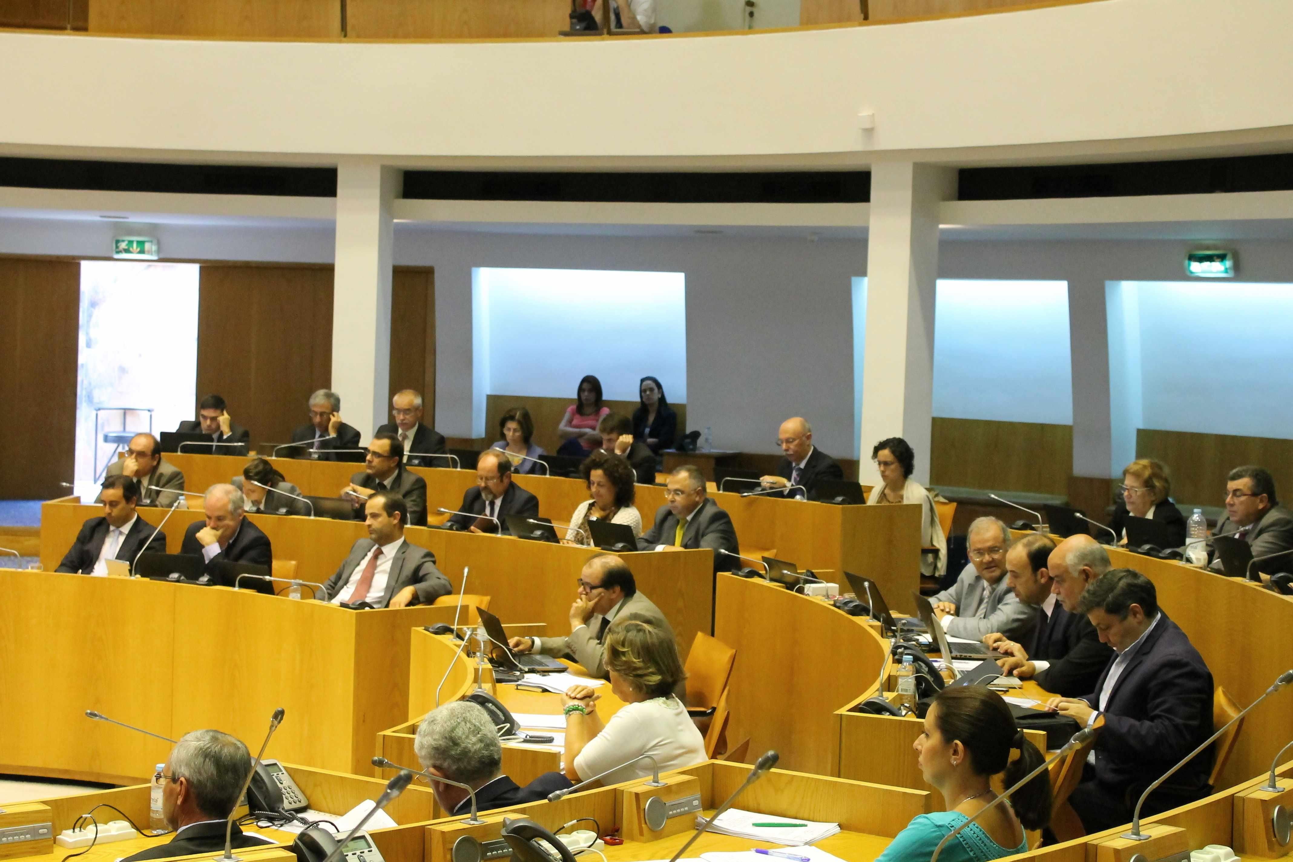 Deputados socialistas participam no Parlamento dos Jovens
