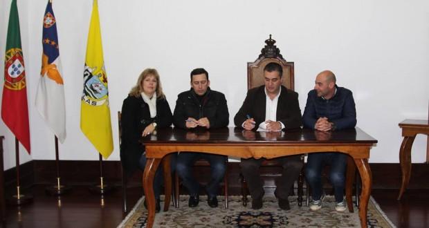 Autarquia velense assina contrato de empreitada de reabilitação de águas do concelho das Velas