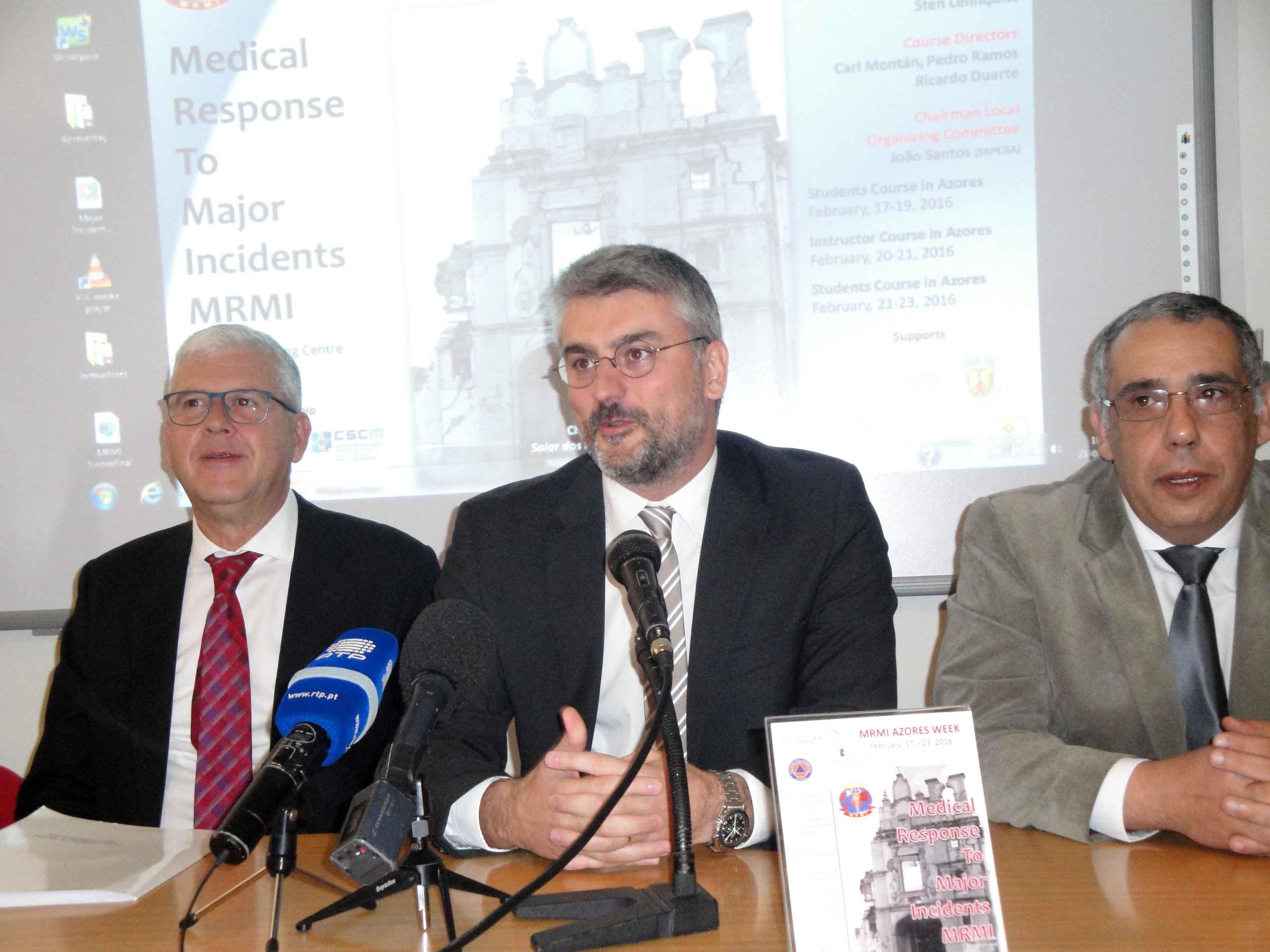 """Curso de MRMI é """"mais-valia para os Açores"""" e resultado de """"bom entendimento entre Governos Regionais"""", afirma Luís Cabral"""