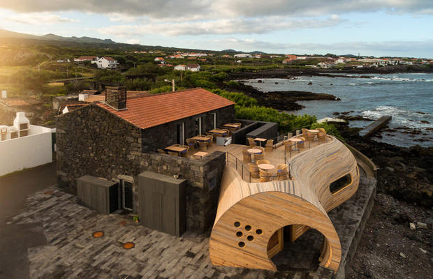 Cella Bar, na ilha do Pico, distinguido pela Archdaily