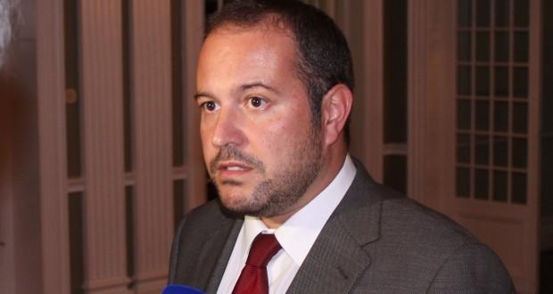 """""""Duarte Freitas deve perceber que não deve brincar com a SATA só porque estamos em ano de eleições"""", alertou Francisco César"""