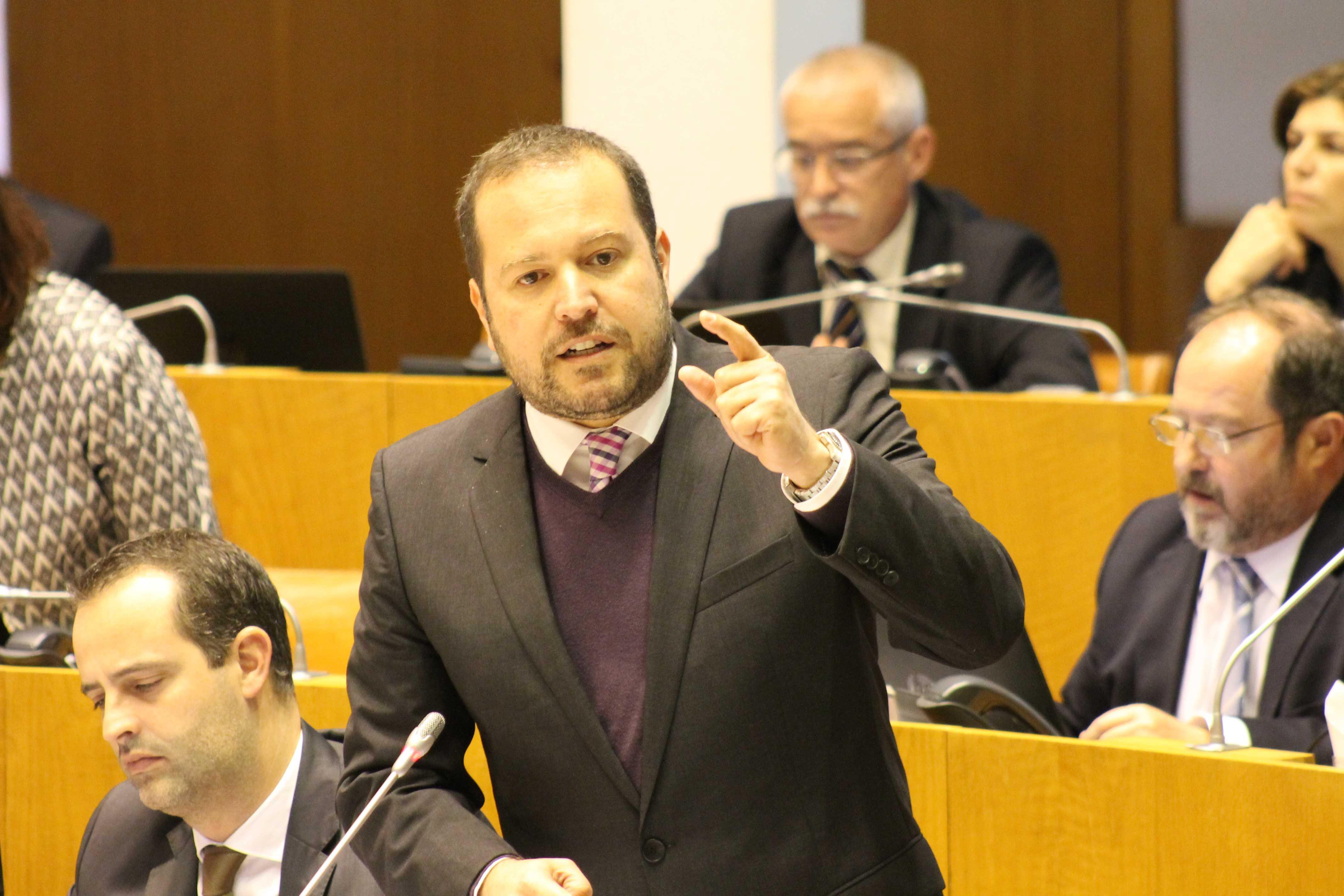 """""""A criação de emprego tem sido o desígnio do PS na sua governação"""", realçou Francisco César"""